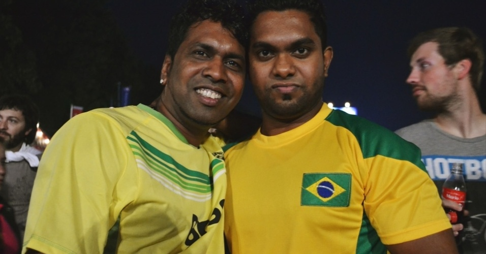 Amigos do Sri Lanka se passam por torcedores brasileiros em Berlim