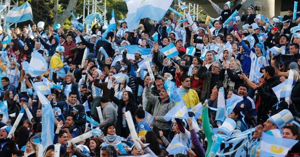 Argentinos se reúnem em Buenos Aires e já fazem festa antes de duelo contra a Holanda pelas semifinais da Copa do Mundo