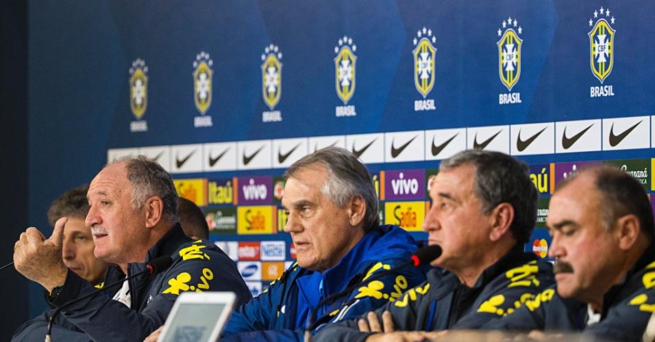 Comissão técnica da seleção brasileira concede entrevista coletiva para explicar eliminação vergonhosa para a Alemanha