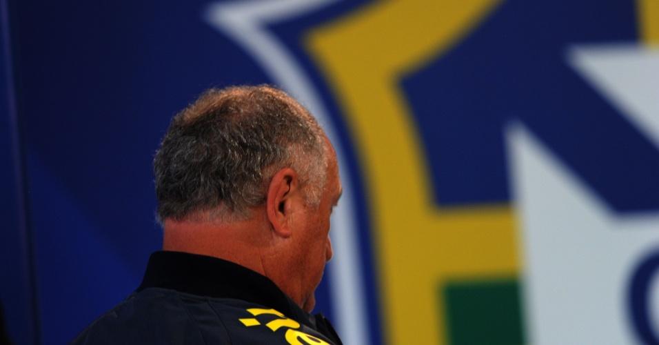 Felipão deixa coletiva de imprensa depois de humilhante eliminação da Copa do Mundo para a Alemanha