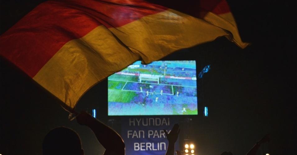 Final do jogo em Berlim foi em clima de festa. Com muitas bandeiras para o alto, danças e cervejas para o alto