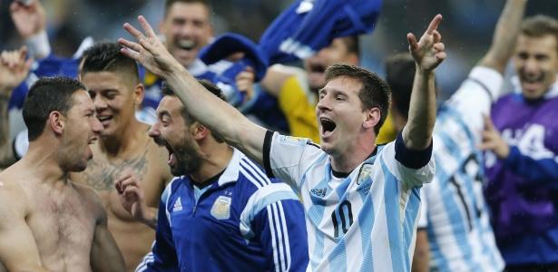 Argentinos festejam classificação; goleada de 7 a 1 não amedronta