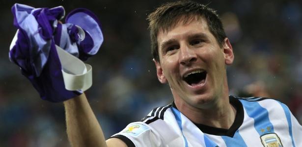 Carlos Bilardo, atual coordenador técnico da seleção, defende que Messi jogue sem tanta pressão a final