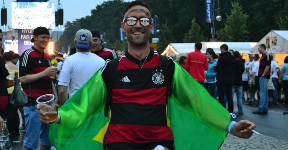 Muitos torcedores alemães vestiam bandeiras ou acessórios com as cores do Brasil. Perucas black power, chapéu panamá e colares havaianos eram os mais usados