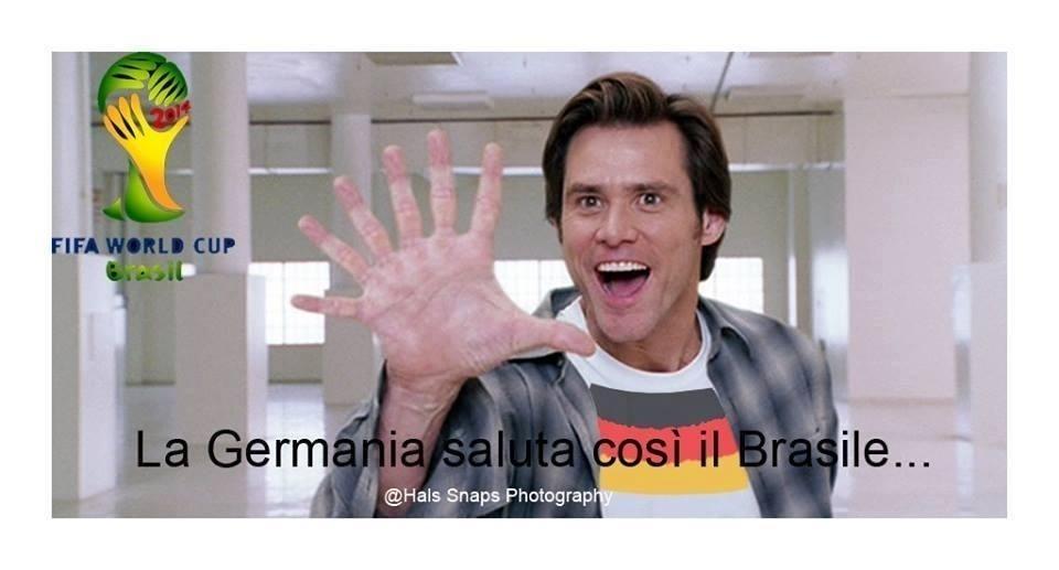 O Brasil tomou tantos gols que nem dá pra contar com uma mão... Não, pera...