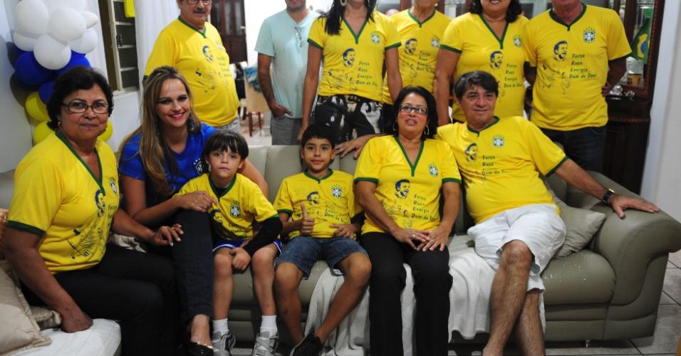 Parentes de Fred mandam apoio ao camisa 9 da seleção na reta final da Copa do Mundo no Brasil