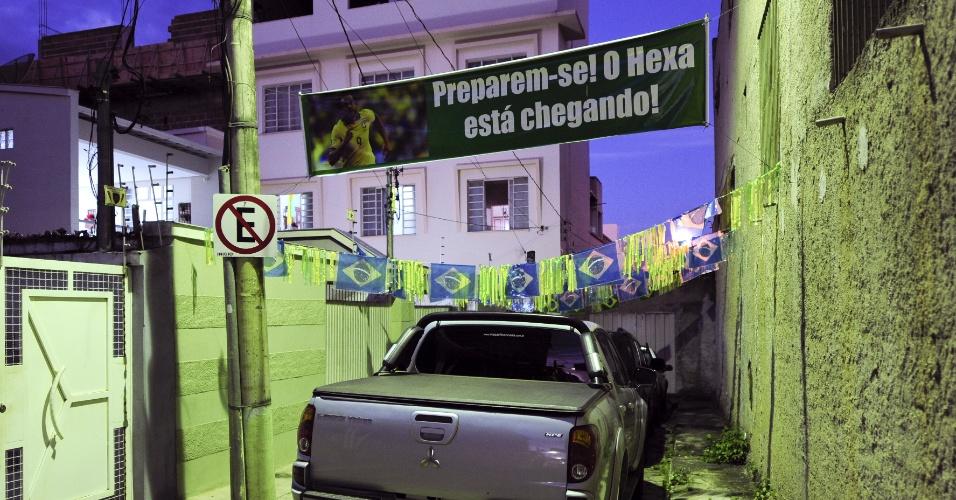 Fred nasceu e passou a infância em Teófilo Otoni, cidade no norte de Minas Gerais
