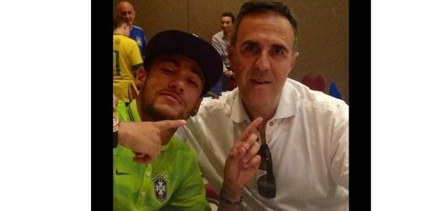 Pai de Neymar criticou empresário e disse que multa e impostos elevariam valor do atacante para 430 milhões de euros
