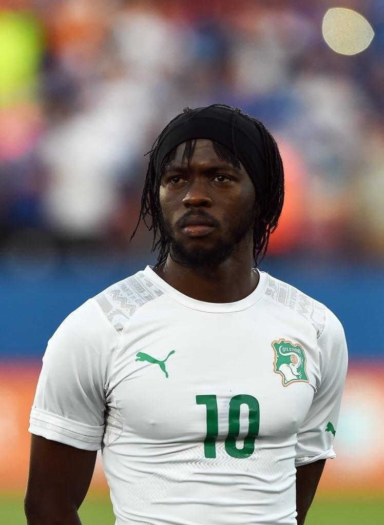 Gervais, da Costa do Marfim, antes de jogo contra El Salvador, num jogo pré-Copa