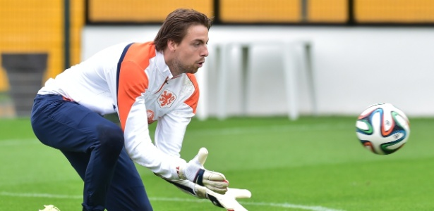 Goleiro Tim Krul treina com a seleção da Holanda na Copa de 2014