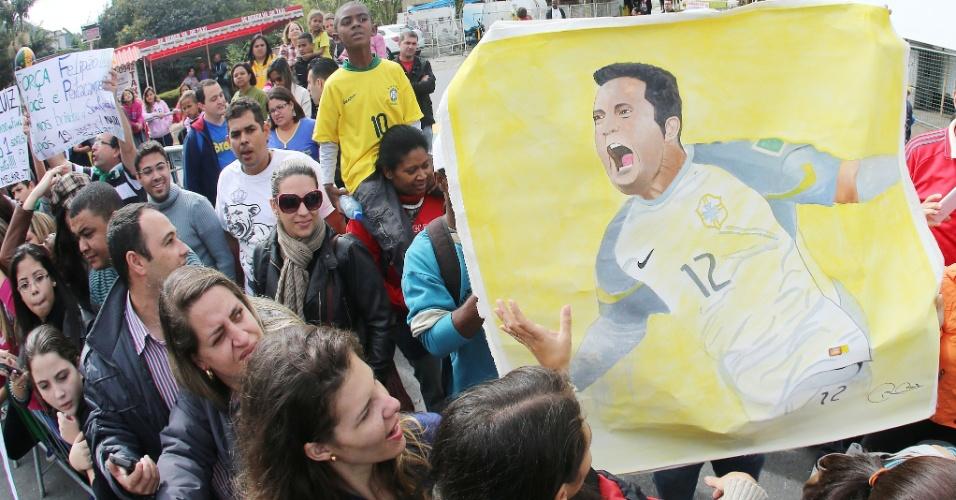 11. jul. 2014 - Seleção brasileira deixa a Granja Comary para enfrentar a Holanda, em Brasília