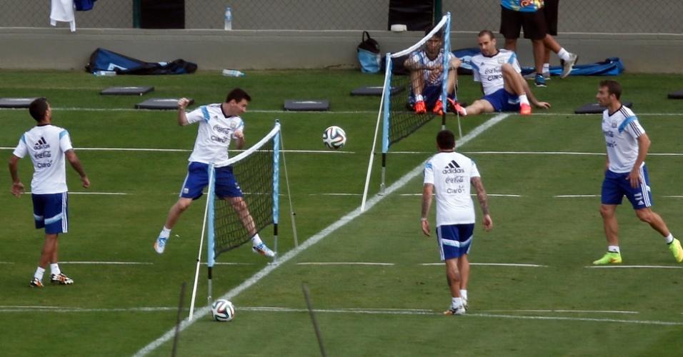 11.jul.2014 - Messi participa de
