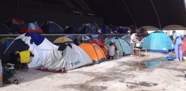Estrangeiros, principalmente argentinos, acamparam no Terreirão do Samba durante a Copa