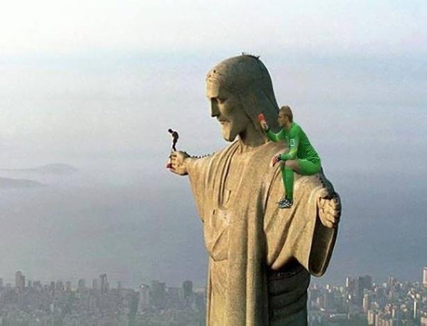 Até no ombro do Cristo Redentor