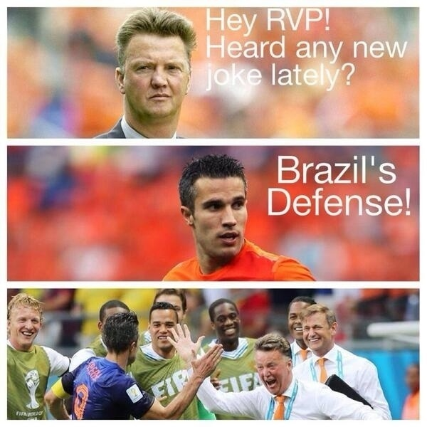 """Hey, Van Persie... Ouviu alguma piada nova? Sim! A defesa do Brasil"""