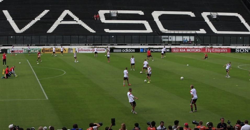 Seleção alemã treina em São Januário, um dia antes da final contra a Argentina