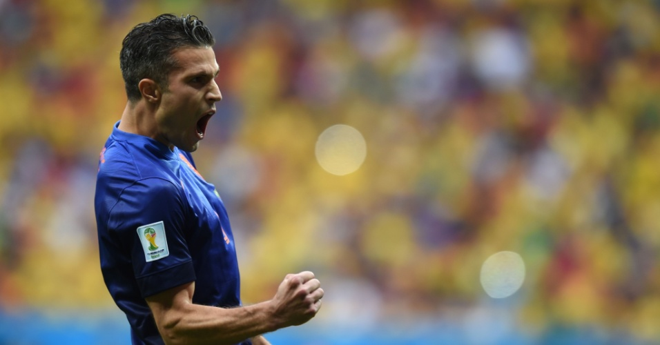 12.jul.2014 - Van Persie vibra após colocar a Holanda na frente do placar contra o Brasil, no estádio Mané Garrincha