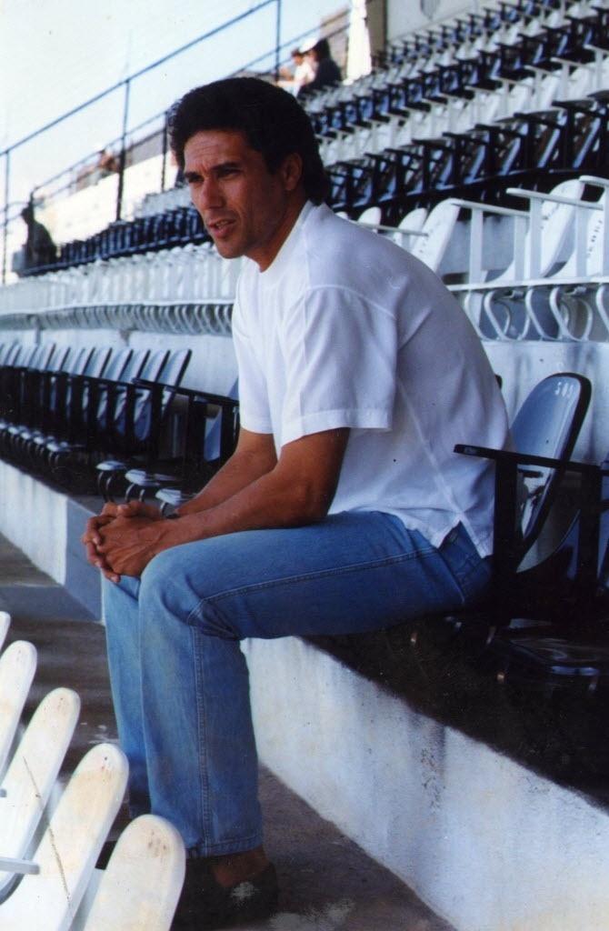 Vanderlei Luxemburgo em 1990, técnico que levou o Bragantino ao título paulista daquele ano
