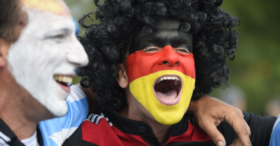 A rivalidade de Argentina e Alemanha é apenas dentro de campo. Fora do Maracanã, torcedores de Argentina e Alemanha se juntam em festa no Rio de Janeiro