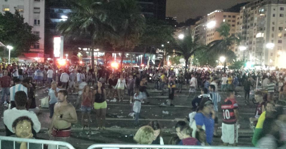 Argentinos tentam invadir Fan Fest e promovem violência em Copacabana; dois são detidos