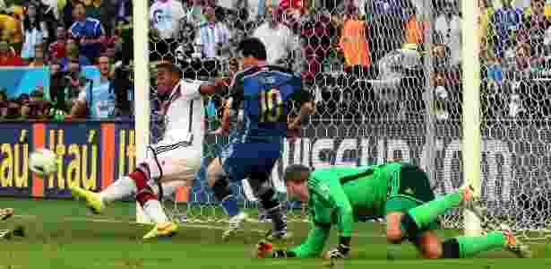 Boateng (foto) diz que zagueiros precisam melhorar posicionamento diante desses atacantes  - Julio Cesar Guimaraes/UOL