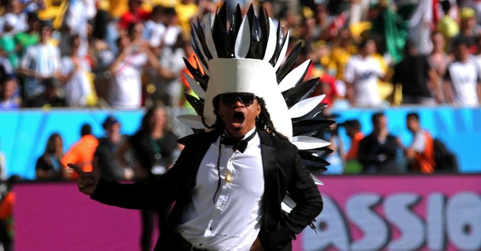 Carlinhos Brown, na cerimônia de encerramento da Copa, no Maracanã
