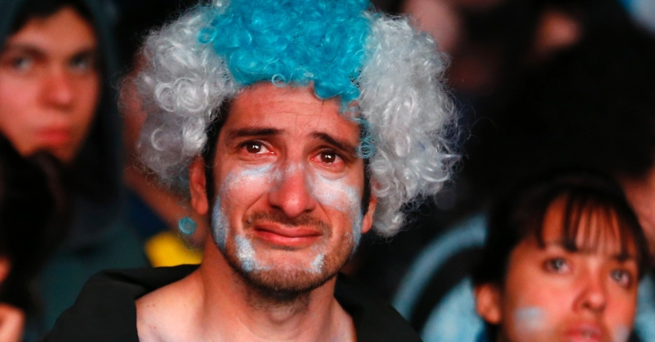 Choro tomou conta das ruas de Buenos Aires após derrota para a Alemanha