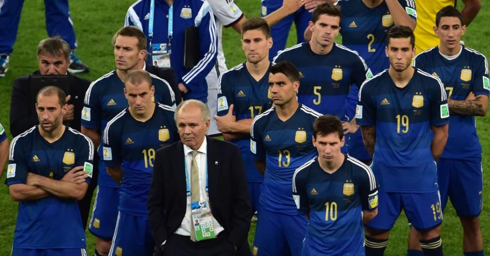 Decepção argentina fica estampada nos rostos de jogadores e do técnico Sabella