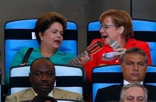 Dilma Rousseff e Angela Merkel formam dupla caipira na arquibancada do Maracanã