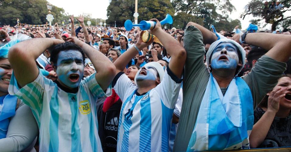 Em Buenos Aires, torcedores lamentam chance de gol perdida durante final da Copa do Mundo