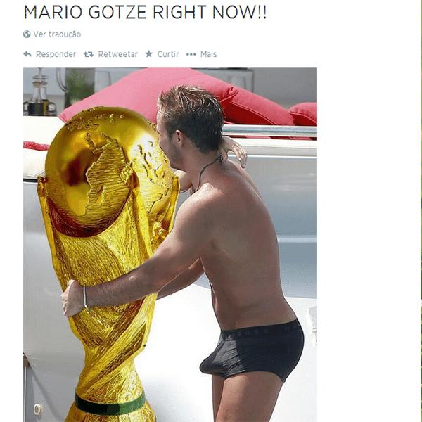 Foto do herói Mario Götze em situação constrangedora volta a circular depois do título da Alemanha: em vez da mulher, a taça