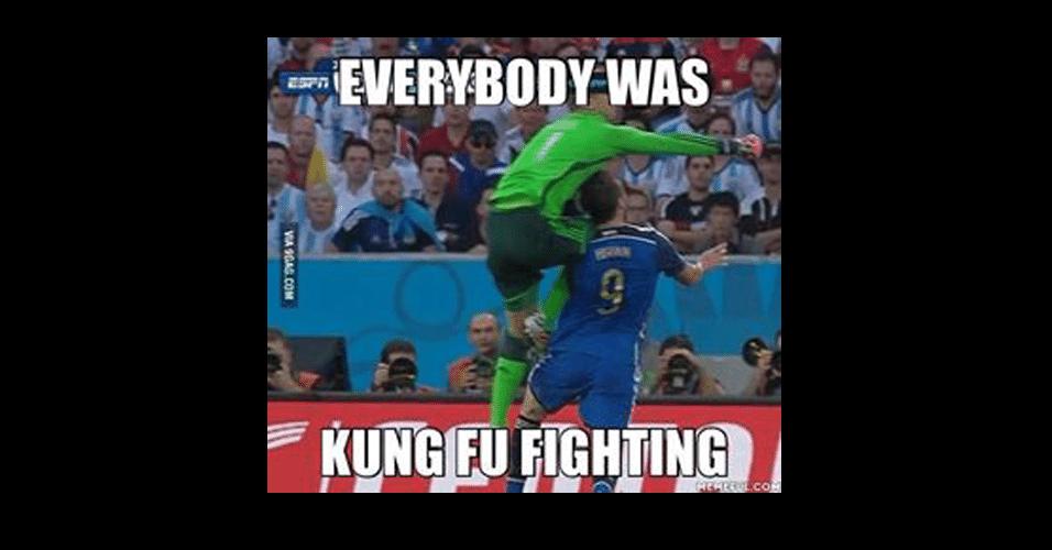 Lance de Neuer foi considerado Kung-fu