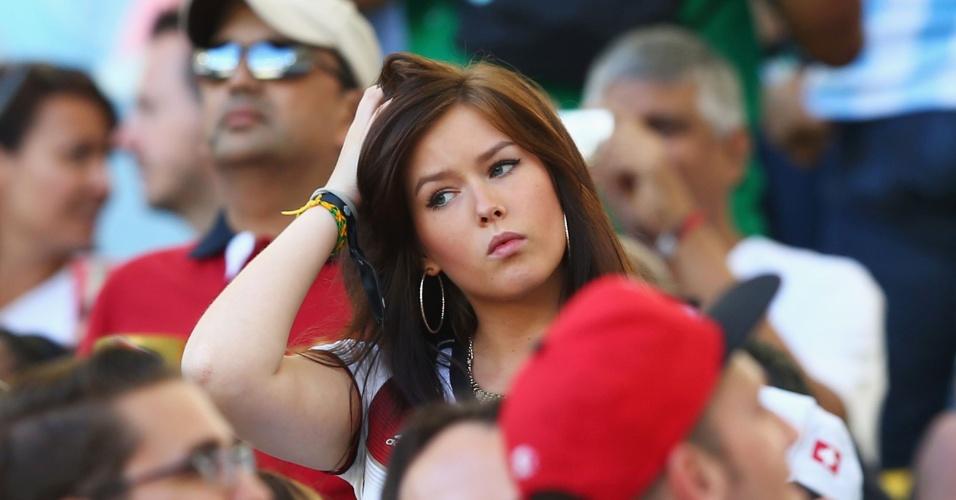 Lena, namorada de Julian Draxler, também marca presença na torcida alemã contra a Argentina