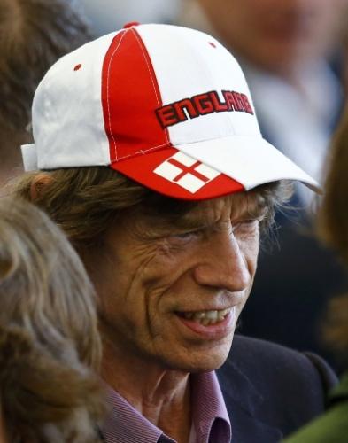 Mick Jagger  foi ao Maracanã para a final entre Alemanha e Argentina com boné da Inglaterra