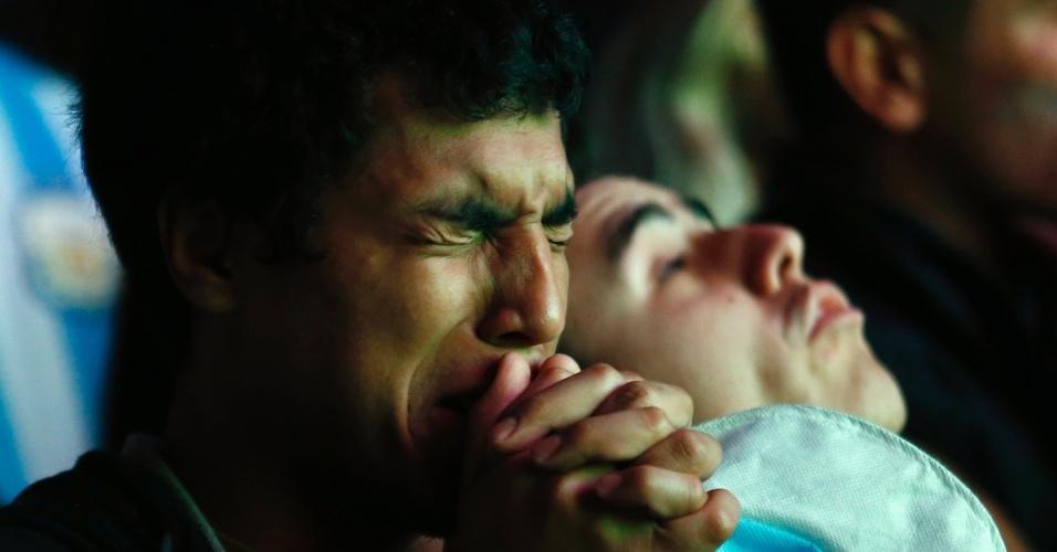 Muitos torcedores não seguraram o choro nas ruas de Buenos Aires com o vice-campeonato