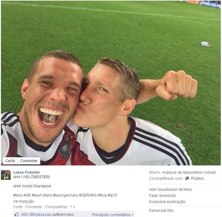 Podolski ganha beijinho de Schweinsteiger após conquista de título mundial no Maracanã