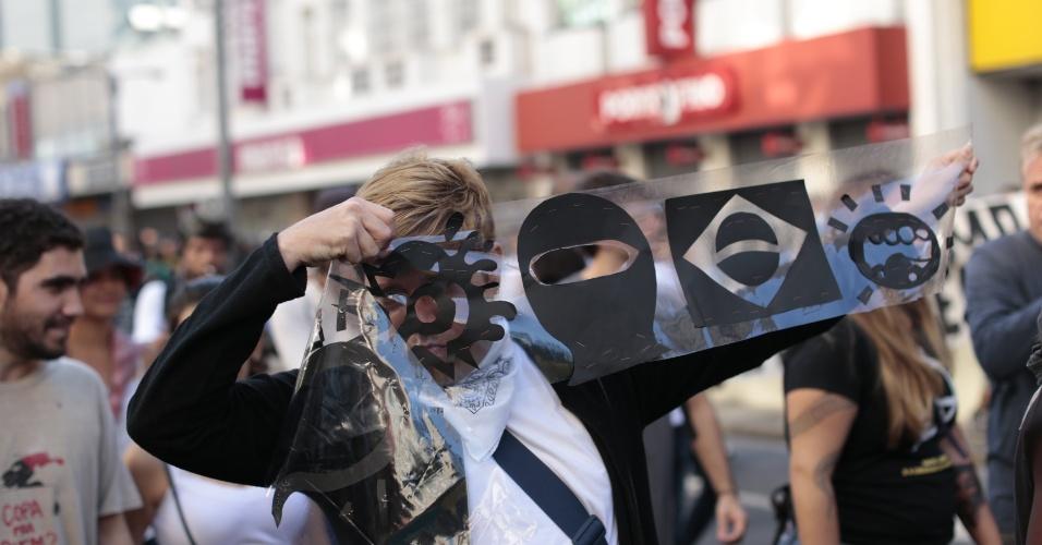 Protesto a dois quilômetros do Maracanã