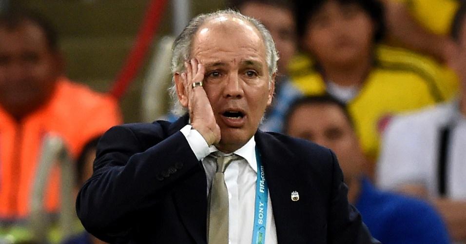 Técnico da Argentina Alejandro Sabella parece não acreditar no resultado da partida entre Alemanha x Argentina, vencida pela Alemanha por 1 a 0, no Maracanã