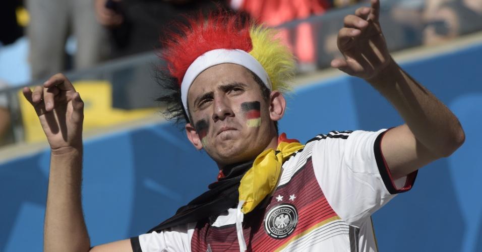 Torcedor da Alemanha mostra empolgação no Maracanã