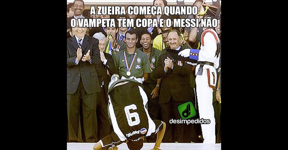 Vampeta disputou só uma copa e venceu. Messi disputou três e não ganhou nada