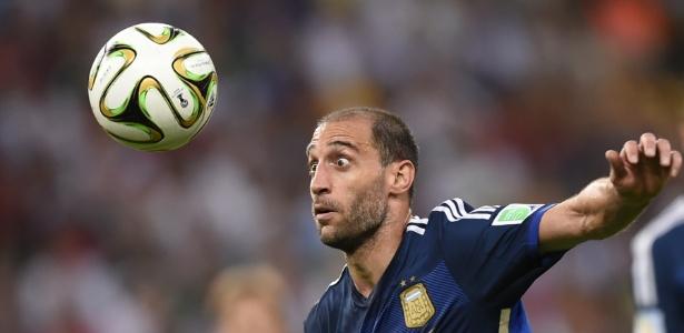 Lateral Zabaleta tem sido reserva no Manchester City e é opção para a Inter