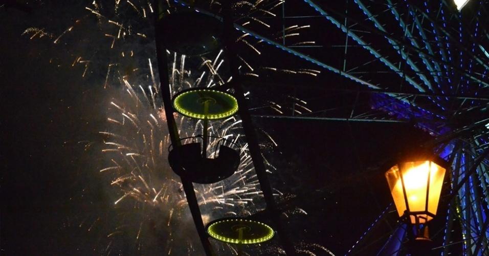 13.jul.2014 - Fogos de artifício foram acesos pela cidade para comemorar a vitória