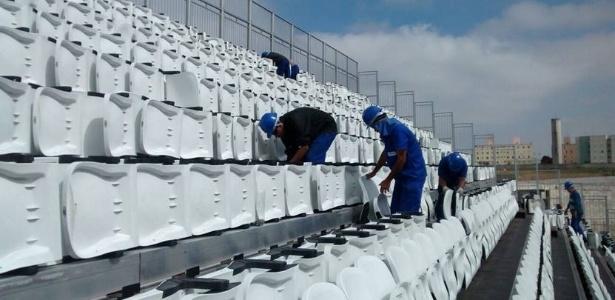 Cadeiras começam a ser retiradas de arquibancadas provisórias do Itaquerão - Divulgação