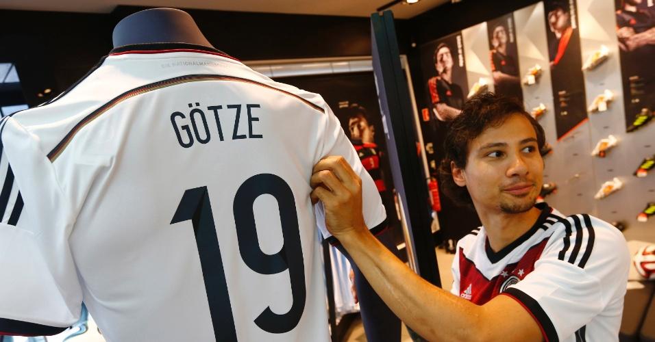 Camisa de Götze, herói do título alemão, é a mais procurada pelos torcedores