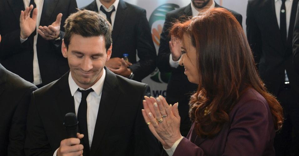 Cristina Kirchner aplaude Lionel Messi, eleito melhor jogador da Copa do Mundo, em recepção realizada na Associação Argentina de Futebol