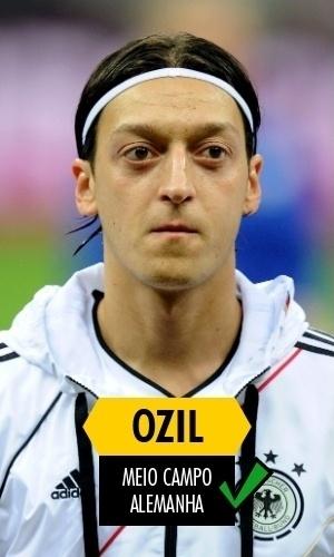 Özil - Titular da Alemanha durante toda a campanha do tetracampeonato, Özil mostrou mais futebol na Copa do que pelo Arsenal na última temporada