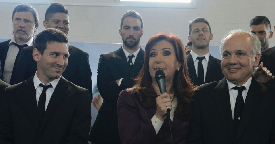 Presidente argentina Cristina Kirchner recebe delegação da seleção nacional após vice-campeonato mundial