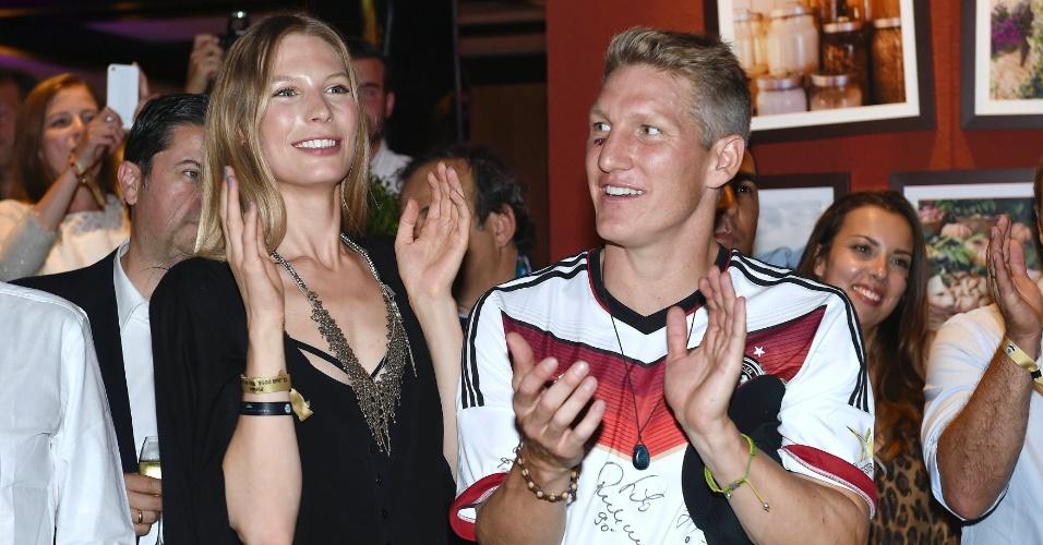 Schweinsteiger comemorou o título da Alemanha acompanhado de sua namorada, Sarah Brandner