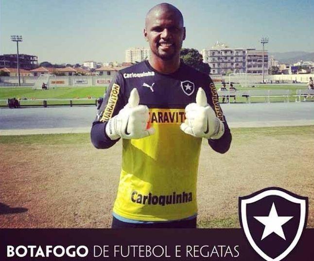 Jefferson voltou aos treinamentos nesta quarta-feira e está confirmado para enfrentar o Coritiba, no sábado