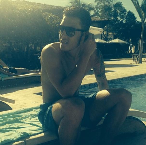 Mesut Özil não revelou o local em que está passando férias, mas postou uma foto em um lugar bastante ensolarado. Meia foi outro a estar presente nos sete jogos da Alemanha no Mundial